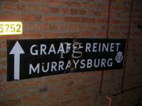 Graaf Reinet sign small 1.jpg (6702 bytes)